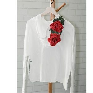 Tops - White Embroidered Crop Sweater